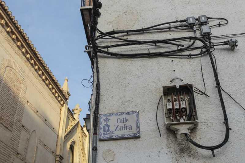 CALLE ZAFRA ESQUINA CON SAN JUAN DE LOS REYES FOTO: ALFREDO AGUILAR
