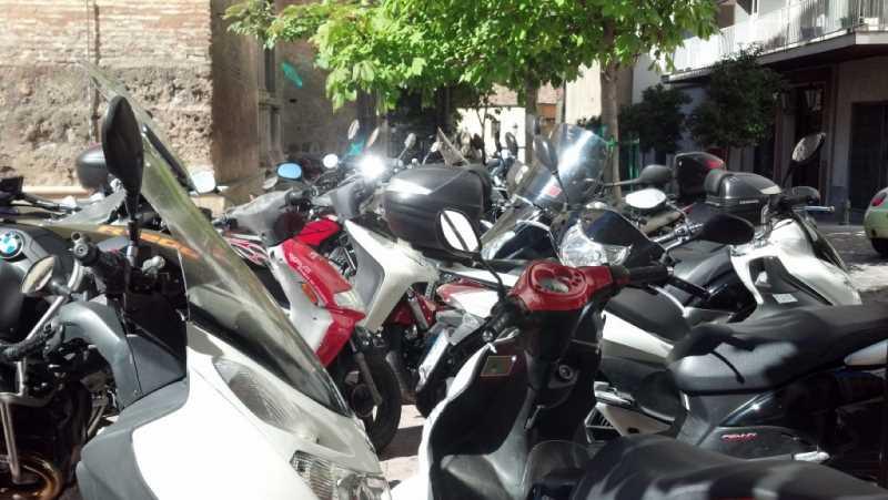 Motos01