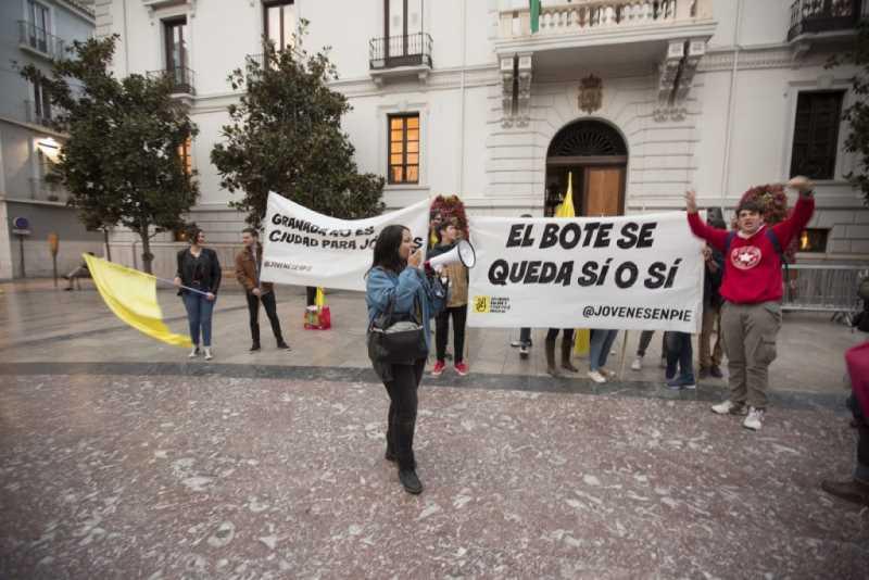 PROTESTA DE JOVENES PIDIENDO LA REAPERTYURA DEL BOTELLODROMO FOTOGRAFIA: ALFREDO AGUILAR