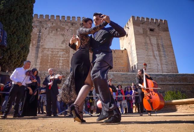 Tango en la Alhambra.   Foto: Ramón L. Pérez