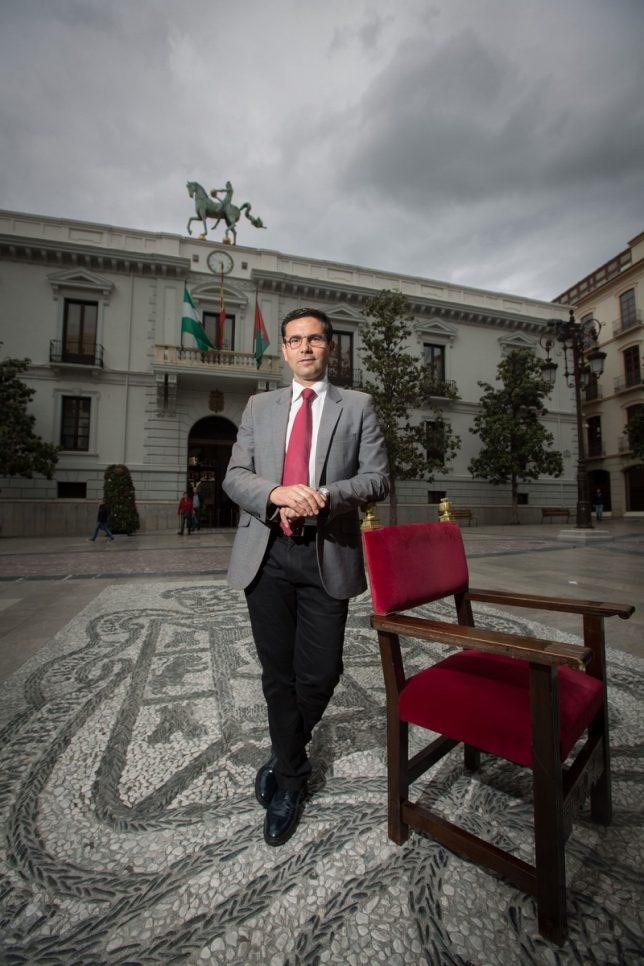 Entrevista al Alcalde Paco Cuenca.  Foto: Alfredo Aguilar