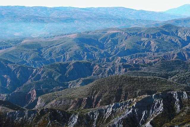 Laderas erosionadas junto a Cádiar./ Javier Callejas (Archivo GR)