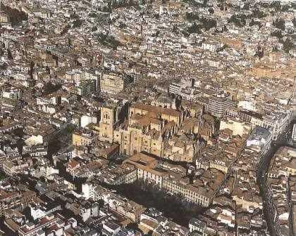 La catedral de Granada y su entorno urbano./ Avance del PGOU de Granada en 1994