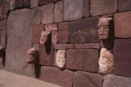 Muro de bloques de piedra.