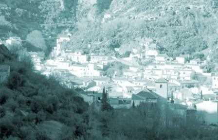 Vista de Monachil que se ha utilizado como portada del Avance./ Archivo GR