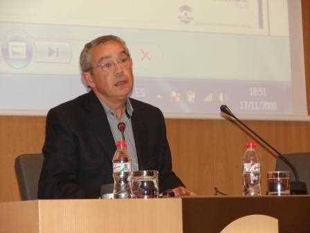 Carlos López durante su ponencia./ Angie