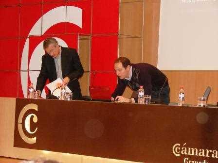 Momentos previos al comienzo de la ponencia./ Angie