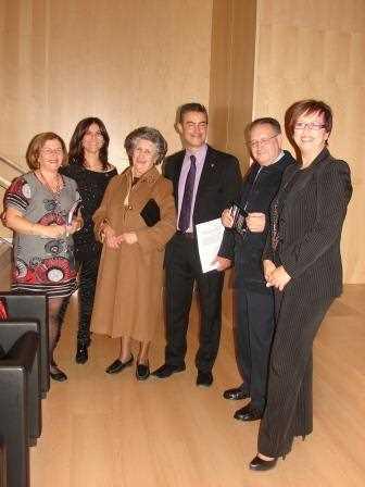 Foto de familia antes de dar comienzo la clausura./ Angie