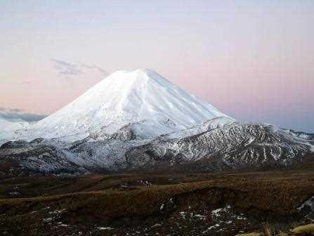 El Ngauruhoe, el volcan con la perfecta forma cónica.