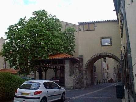 Otra imagen del histórico de Montferrand.