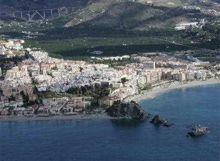 Atropellos urbanísticos en la costa de Granada.