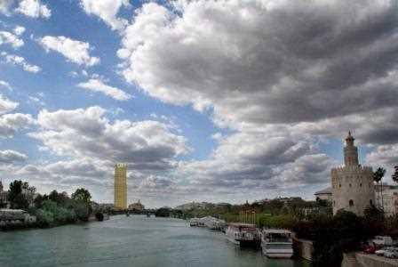 Reconstruccion virtual mostrando el enorme impacto visual que tendrá el rascacielos en Sevilla.