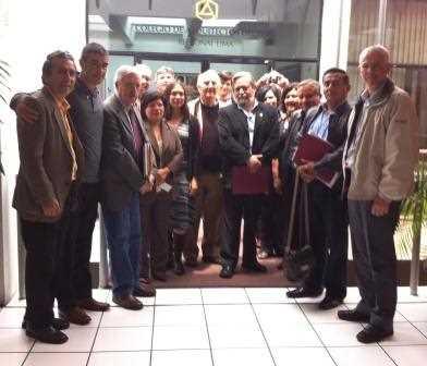 Juan Carlos García de los Reyes junto a otros asistentes y autoridades en el Foro.