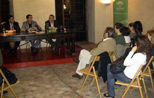 Paco Cuenca en la inauguración de la segunda edición de los Foros de La Ciudad Comprometida en la Casa de los Tiros.