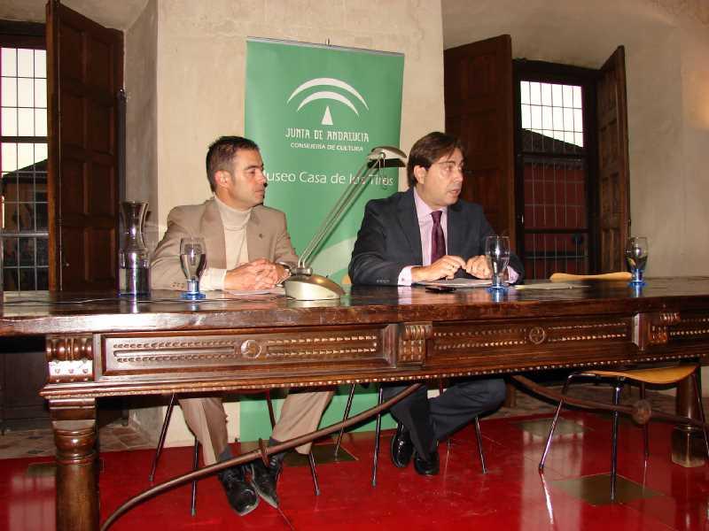 José Luis Carmona en representacion del PP, en los Foros de La Ciudad Comprometida.