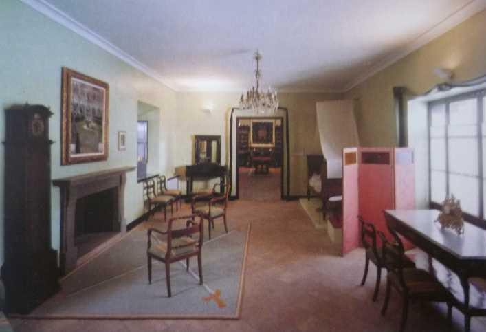 Vista general de la Sala Los viajeros. Imagen de la guía oficial museo casa de los tiros de granada