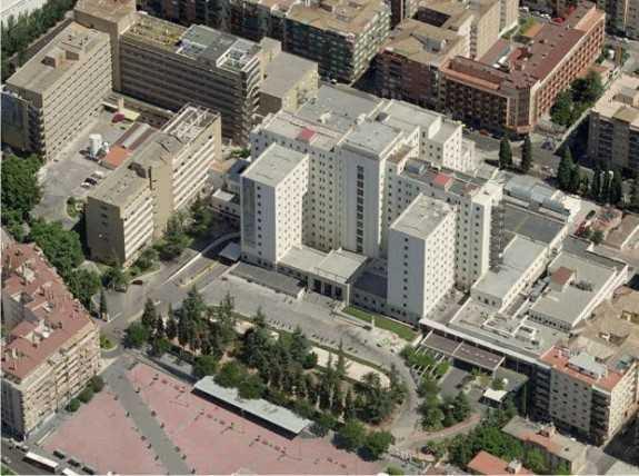 Imagen aérea del Hospital Virgen de las Nieves. Fuente: goolzom