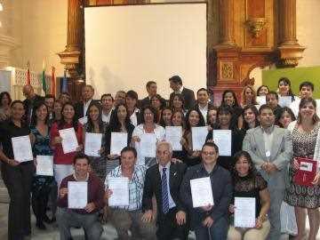 Alumnos y ponentes en la sesión de clausura. FUENTE: uimunicipalistas.org