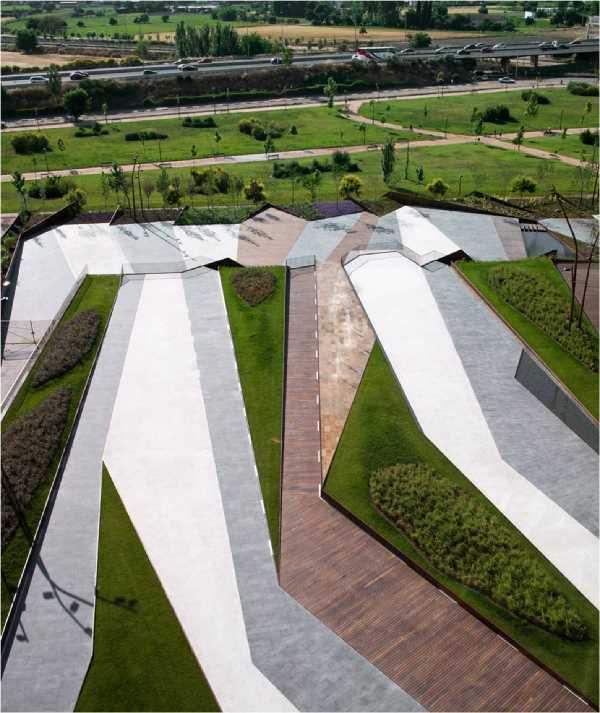 Imagen de los espacios exteriores desde el edificio Forum