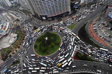 Atasco en una ciudad China. FUENTE: coches.es