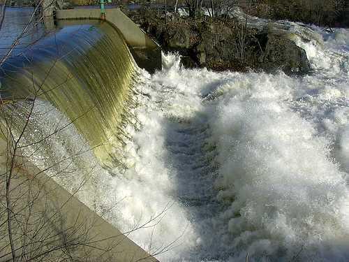 Energía hidráulica. FUENTE: renovablesverdes.com