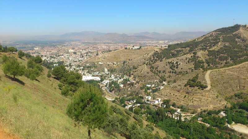 Valle del Darro y el Sacromonte.