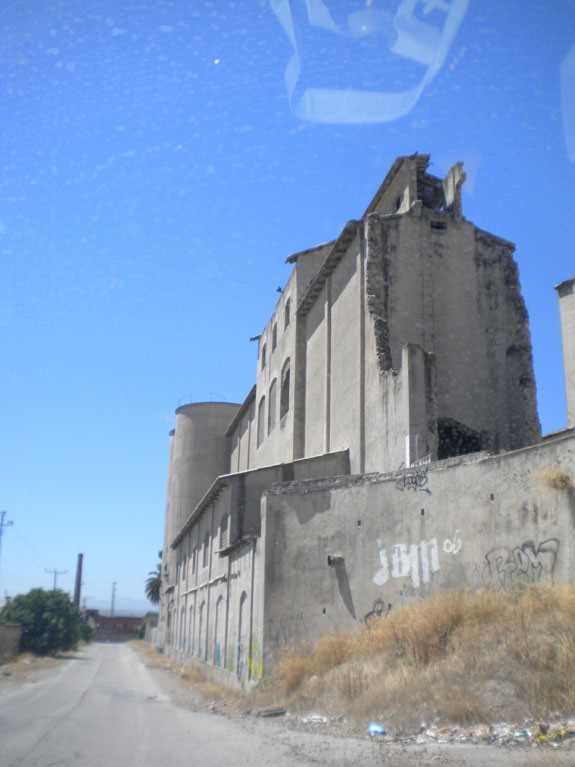 Restos de los muros principales.
