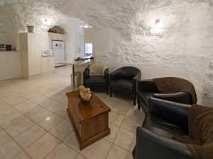 Interior de una vivienda en White Cliffs. FUENTE: webwombat.com.au