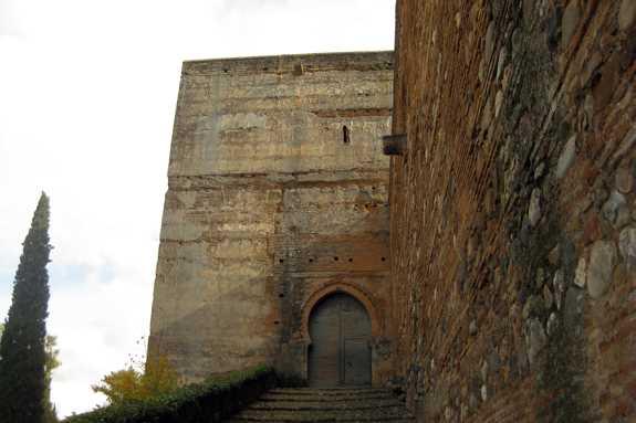 Acceso a la Puerta de las Armas. Fuente: Maria del Carmen de Luna.