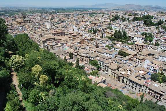Vista hacia el Albaicin.  Fuente: Maria del Carmen de Luna.