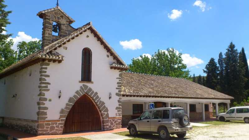 Centro de interpretación La Resinera. Antigua iglesia y colegio del complejo. Fuente: elaboracion propia.