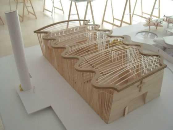 """Eladio Dieste. Iglesia Atlantida. UY. 1952-1960. Fuente: exposición """"Microarquitecturas: volúmenes en composición"""""""