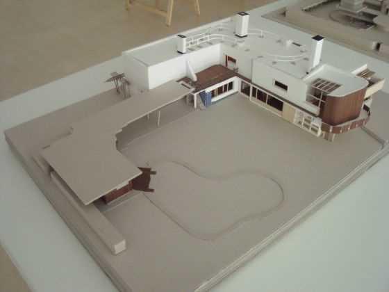 """Alvar Aalto. Villa Mairea. FI. 1937-1939.  Fuente: exposición """"Microarquitecturas: volúmenes en composición"""""""