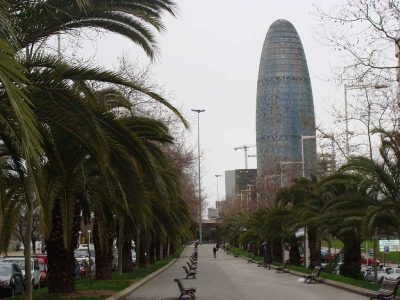 Avd. Diagonaly Torre Agbar. Fuente: Panoramio