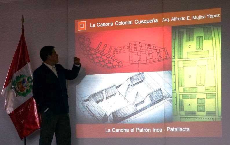 Momento de la ponencia del Arquitecto Alfredo Mújica. Fuente: apuntesdearquitecturadigital.blogspot.com