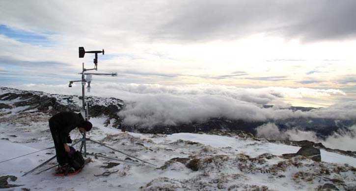 Chequeo mensual de la estación EN₂ (2.300msnm). FUENTE: Observatorio de Cambio Global de Sierra Nevada. Metodología y seguimiento. 2012