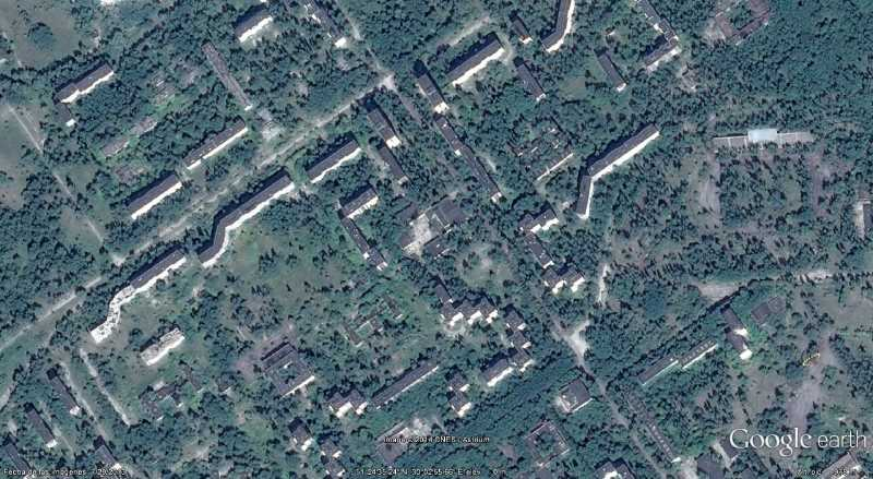 Desde el aire, Pripiat casi ha desaparecido bajo la maleza. Fuente: Google Earth