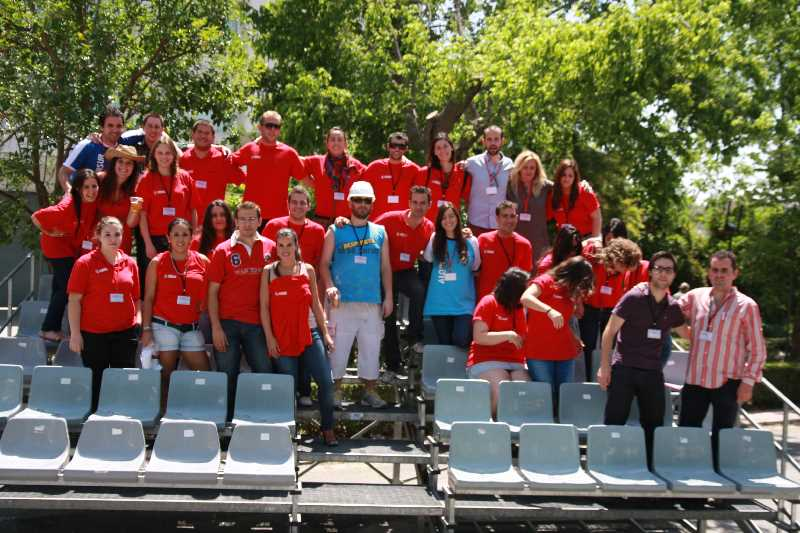 Grupo de voluntarios para la Semana de la Construcción. Fuente: coaatgr.es