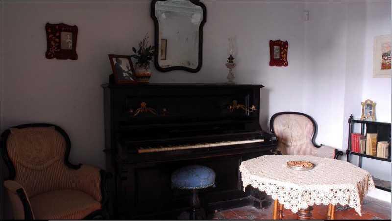 Imagen sala del piano. Fuente www.patronatogarcialorca.org