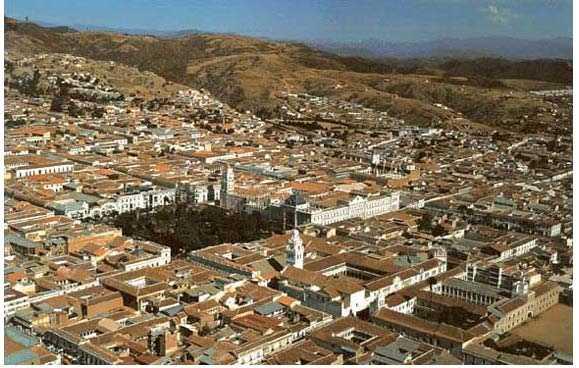 Vista aérea de  Sucre. Fuente: PMOT Sucre www.dcc-ciudades.com