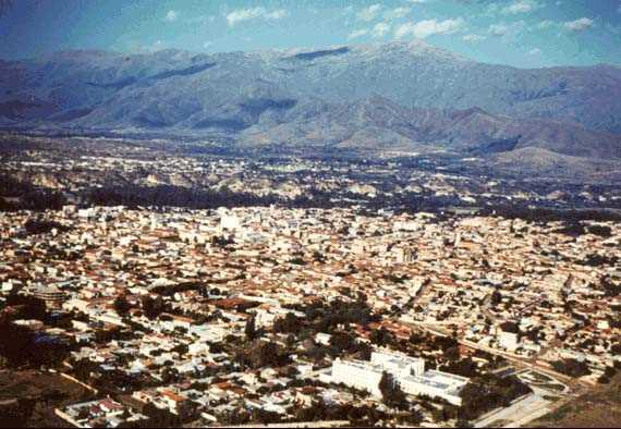 Vista aérea de Tarija. Fuente: ww.mirabolivia.com