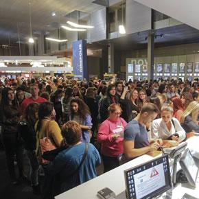 La  Fiesta del Cine atrae en Granada a veinte veces más de espectadores que en una semana normal. :: GONZÁLEZ MOLERO