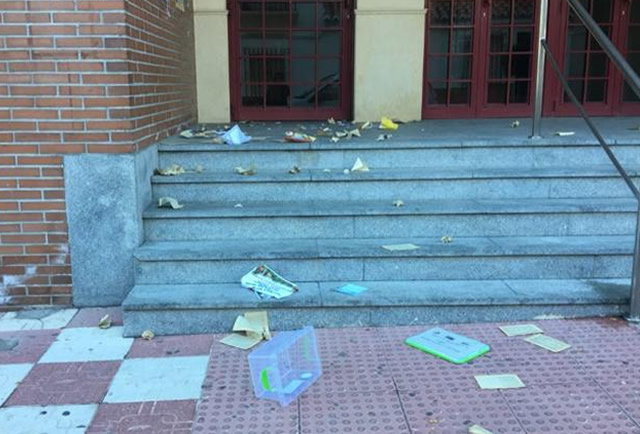 Libros Destrozados en Otura
