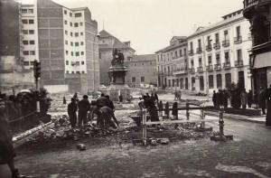 Obras de reforma de la Plaza Isabel la Católica de Granada. 13/02/1964 Torres Molina/Archivo de IDEAL
