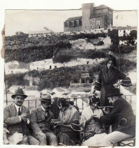 Turistas en el Sacromonte