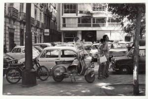Coches aparcados en la plaza del Campillo Bajo. 21/09/1970 Torres Molina/Archivo de IDEAL
