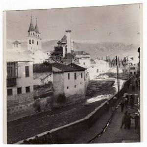 Acera del Darro a principios de 1936. Torres Molina/Archivo de IDEAL