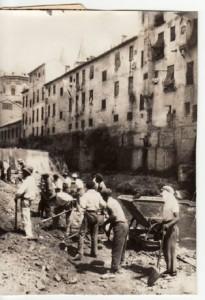Trabajos de cubrimiento del río Darro en el año 1936. Torres Molina/Archivo de IDEAL