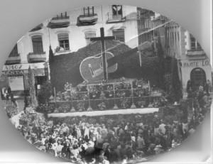 Cruz en la plaza del Carmen en 1948