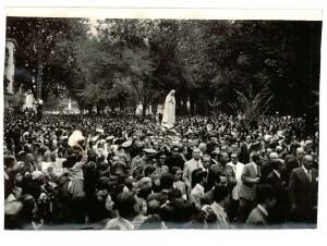 La Virgen de Fátima en el Paseo de la Bomba. $ de octubre de 1949. Torres Molina/Archivo de IDEAL